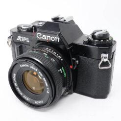 35mmフォーカルプレーンシャッター式一眼レフカメラ AV-1